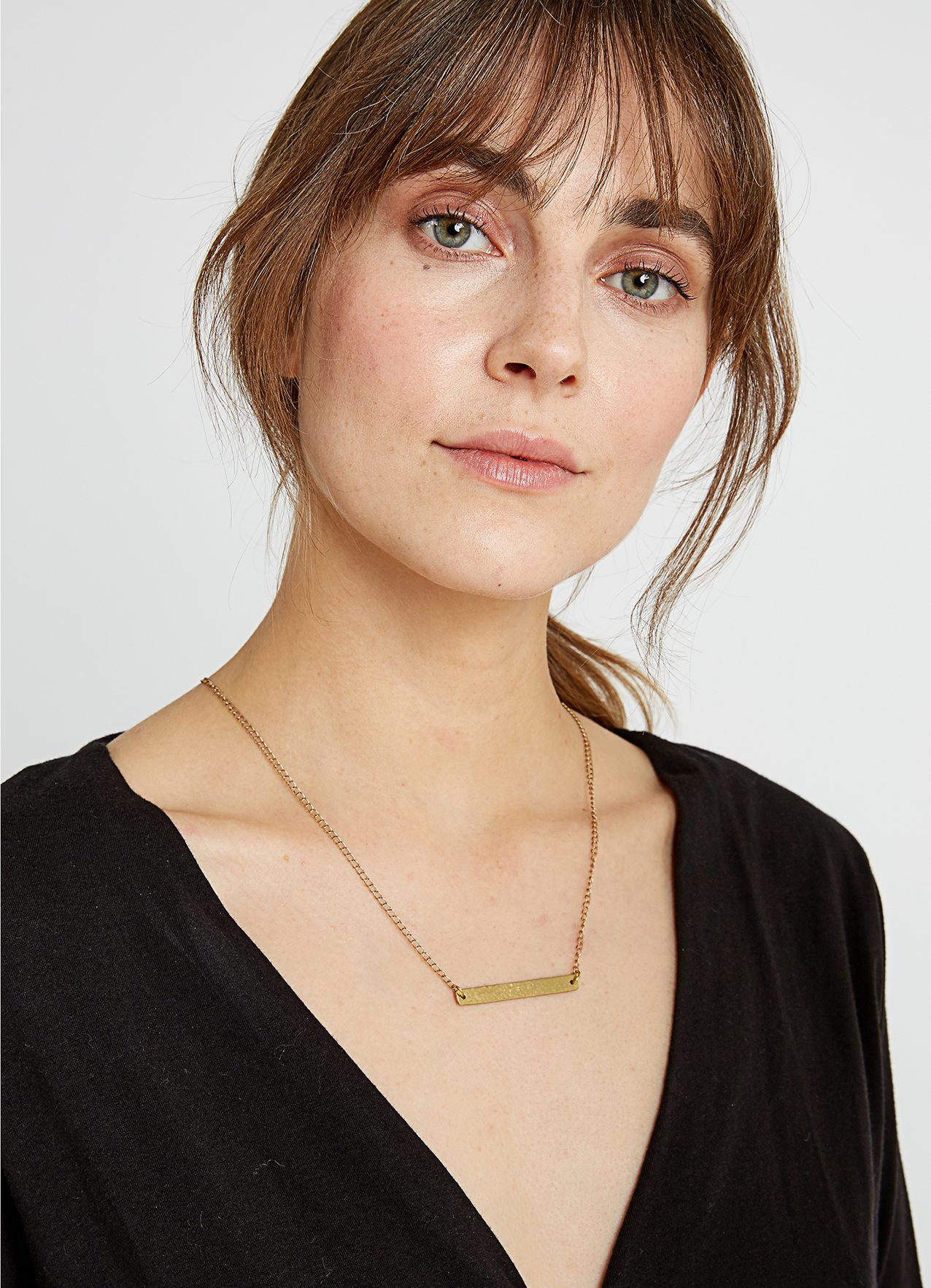 beaten-bar-necklace-in-brass-49c64527e435