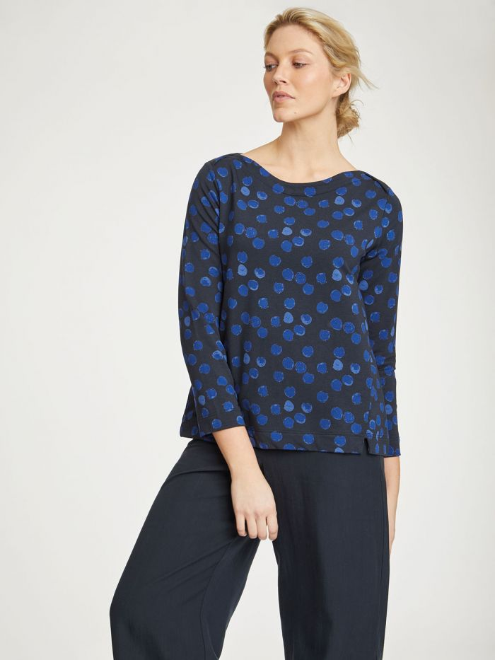 wwt4315-midnight-navy–dorete-blue-printed-fleece-bamboo-top–2