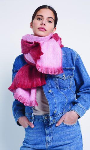 alpaca-loca-Sjaal-rood-lichtrose-alpaca-wol