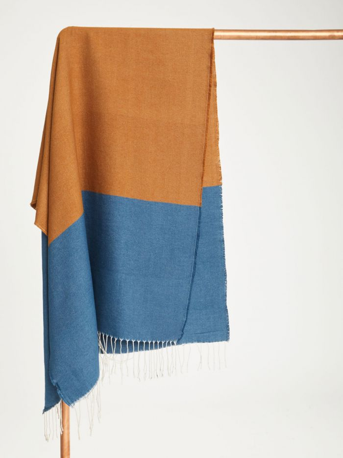 wac4564-saphire-blue–linnear-recycled-polyester-colour-block-scarf–2