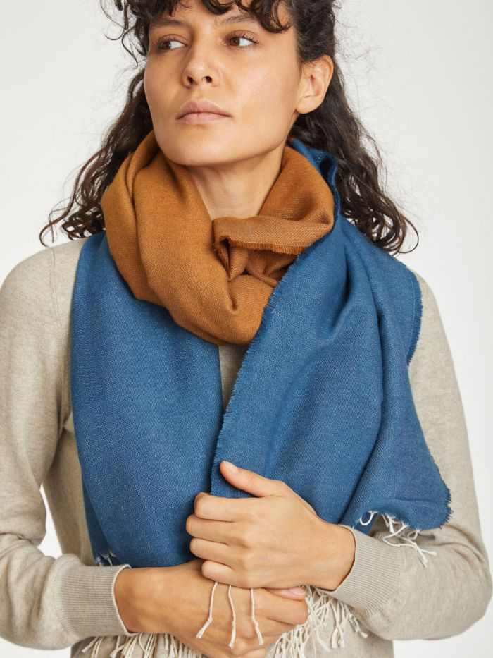 wac4564-saphire-blue–linnear-recycled-polyester-colour-block-scarf–6