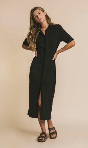 thinking-mu-doorknoop-jurk-zwart
