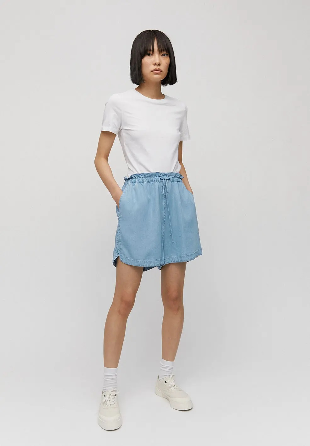 armedangels-kallaa-shorts-light-denim-blue