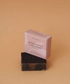 zeeplokaal-aroniabes-rozemarijn-shampoobar