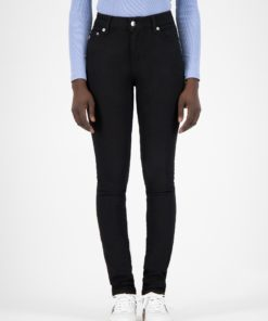 mud-jeans-skinny-hazen-dip-dry-recycled-denim