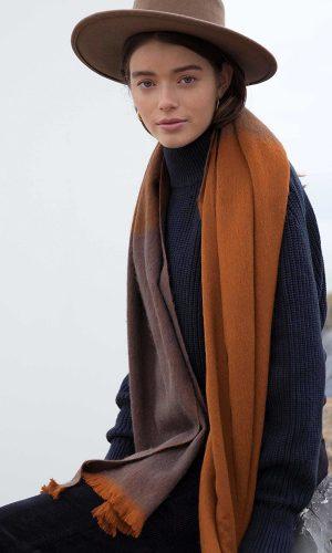 bufandy-sjaal-cinnamon-bark-ombre-sjaal-alpaca-wol