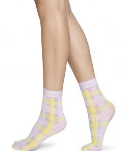 swedish-stockings-greta-tartan-pink-socks