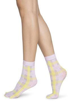 swedish-stockings-greta-tartan-pink-socks
