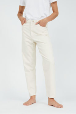 armedangels-mairaa-jeans-undyed-biologisch-katoen