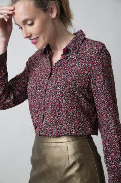 marjolein-elisabeth-mees-blouse-pink-flowers